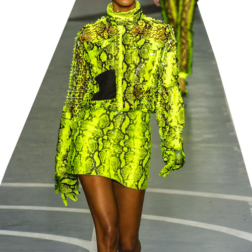 FLUORESCENT COLORS FOR A SUMMER AT THE FOREFRONT